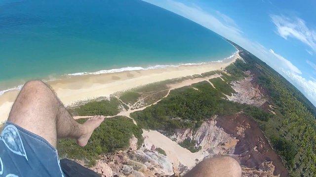 Vôo de Parapente na Praia da Pitinga