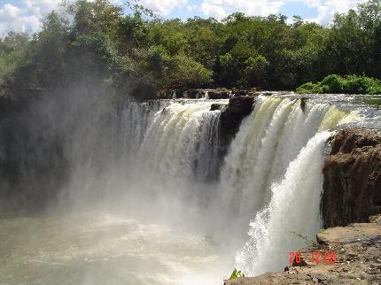 Cachoeiras de Carolina fascinam turistas de todo o mundo