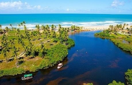 Costa dos Coqueiros é a exuberante Linha Verde