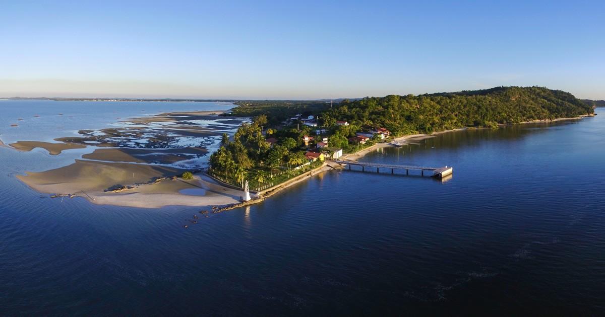 Barra do Paraguaçu e Salinas da Margarida na Bahia